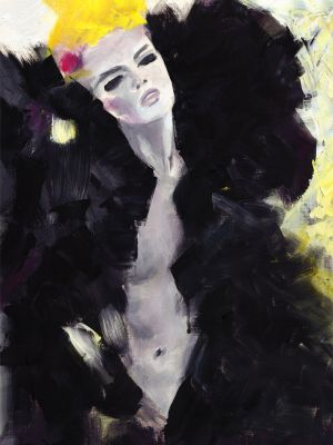 Frau in schwarzem Mantel
